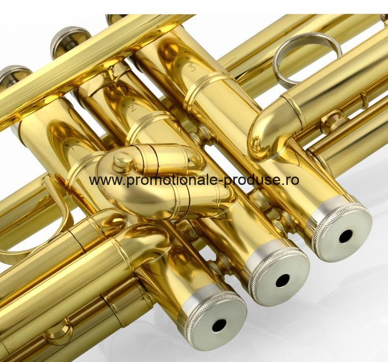 Trompete metalice cu logo